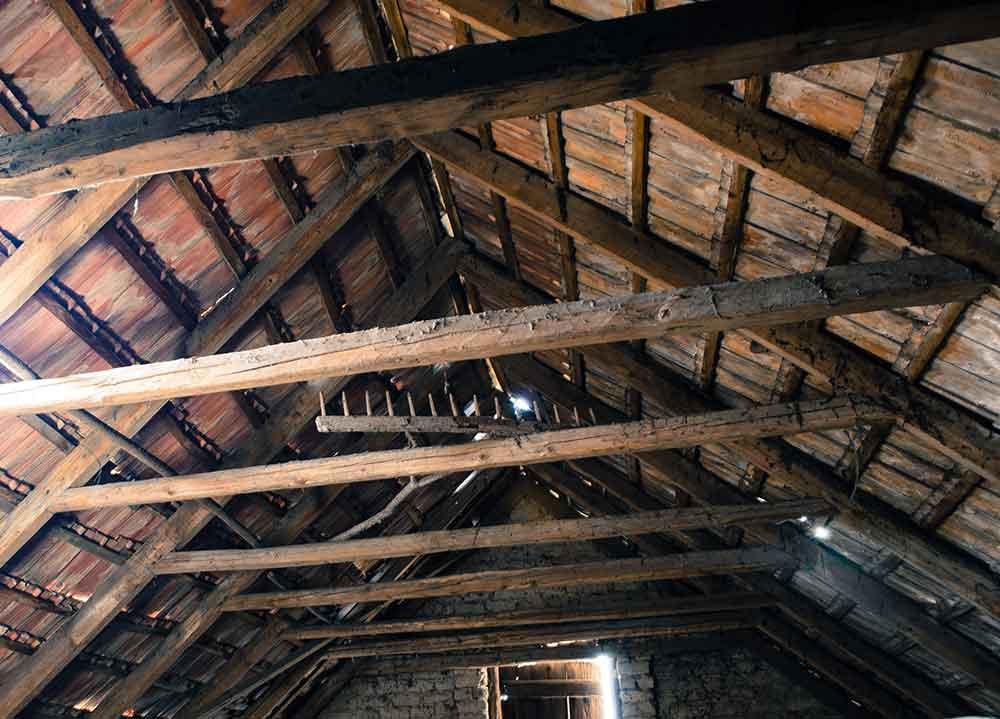 Dachkonstruktion Dachboden Sachverständiger und Gutachter für Immobilien Bernd A. Binder